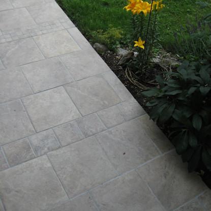 terrasse und haus naturstein f r zufahrt vorgarten picture. Black Bedroom Furniture Sets. Home Design Ideas